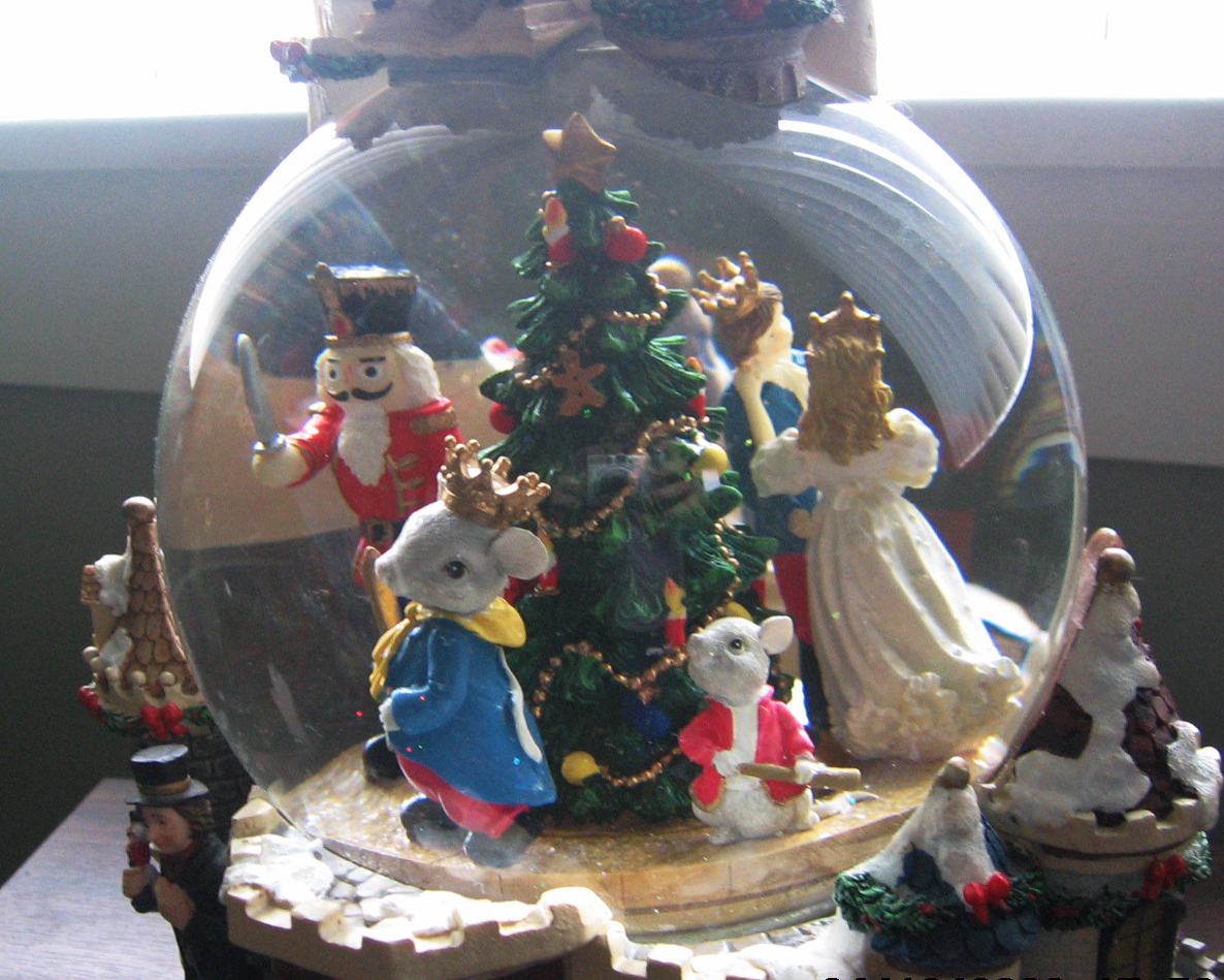 Holiday themed snow globe