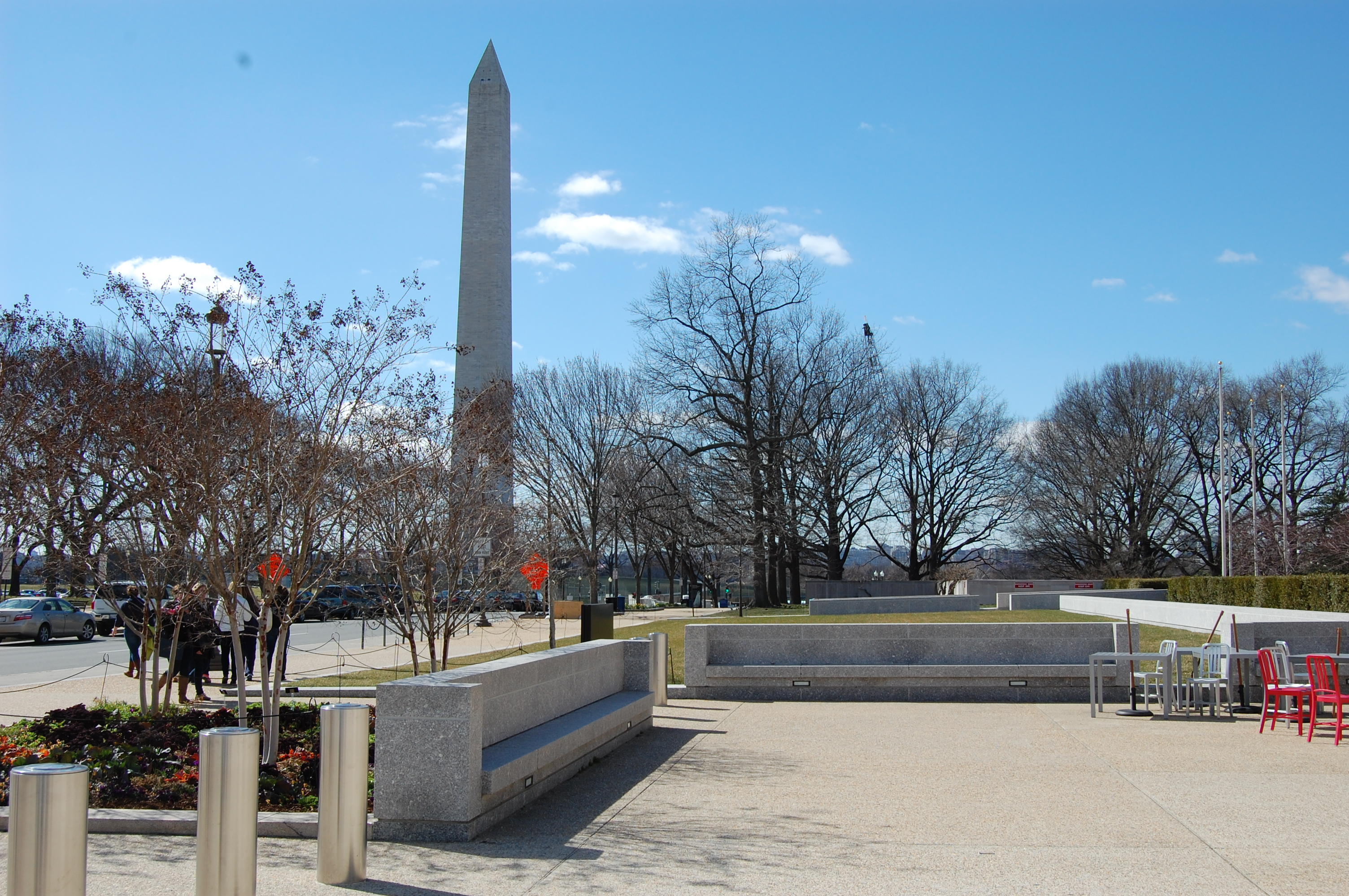 The Museum's Mall entrance, where benches overlook the Washington Monument.