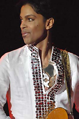 Photo of the  musician Prince performing at Cochella in 2008