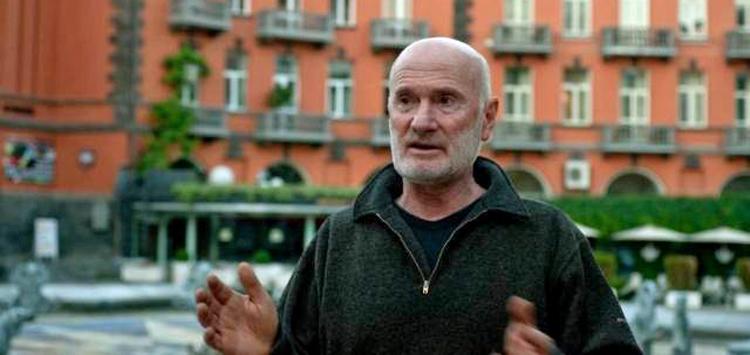 Ara Alekyan standing outside an unidentified building