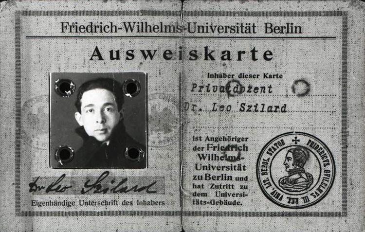 Szilard's student photo ID card in German