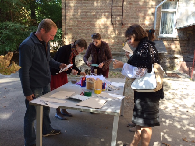 Ukrainian museum professionals take part in a prototyping exercise