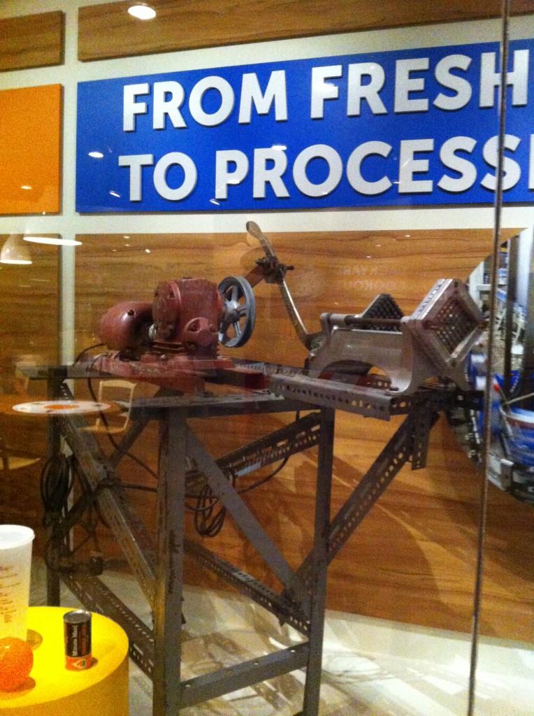 Carrot slicing machine