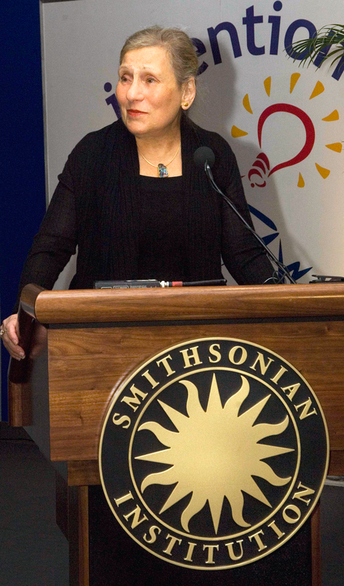 Image of Dorothy Lemelson at podium