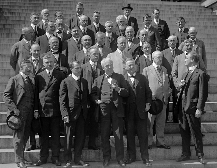 Group photo of the Naval Consulting Board, about 1916. Thomas Edison is front row center; Navy Secretary Josephus Daniels is to his right