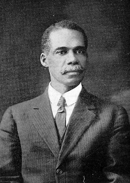 Formal three-quarters portrait photo of Robert Pelham