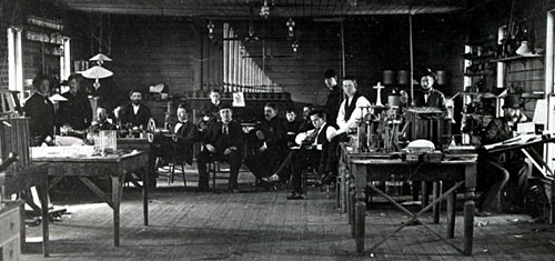 Edison and co-workers in the Menlo Park, NJ lab