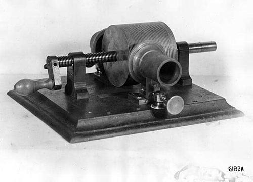 Edison's tinfoil phonograph