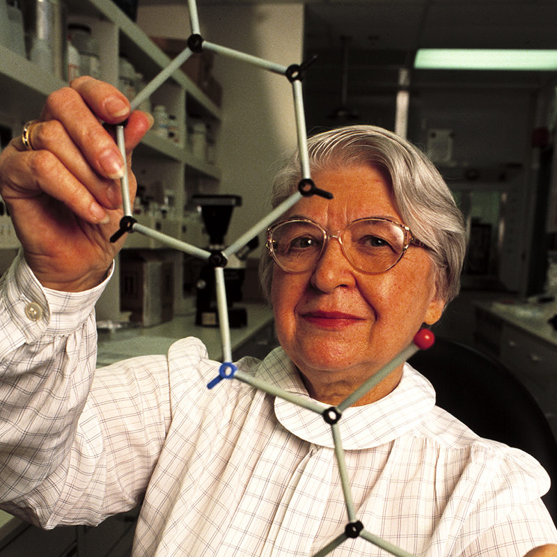 Photo of Stephanie Kwolek