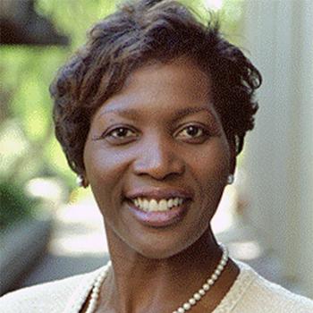 Lisa Cook headshot
