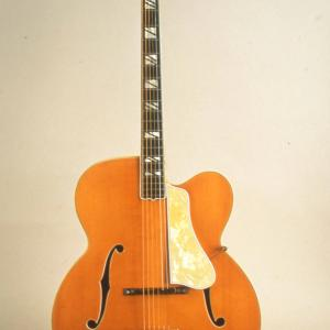 Photo of Gibson Super 400, 1939
