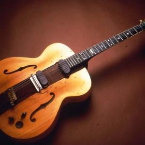 Image of the Les Paul Log Guitar