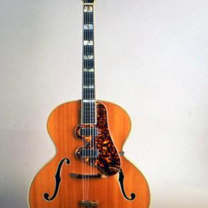 Image of the Epiphone Emperor Guitar