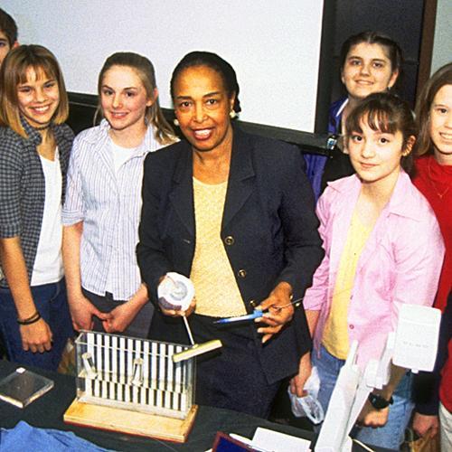Patricia Bath with students at Innovative Lives program