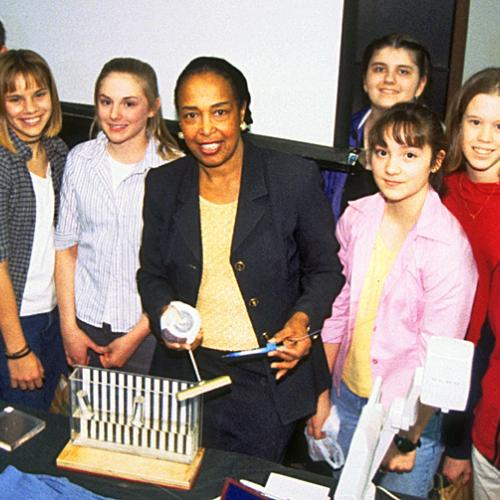 Patricia Bath stands amongst a group of students during a Lemelson Center Innovative Lives program in 2000.